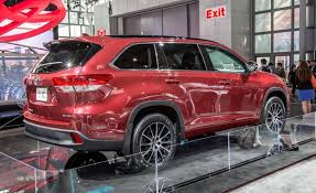 toyota new 2017 2017 toyota highlander official photos and info news car and driver