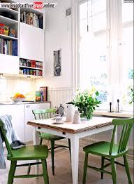 stühle küche kleine küche grüne stühle essplatz