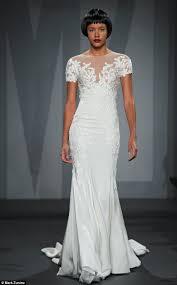 jennifer aniston u0027s wedding dress u0027was revealed by say yes to the