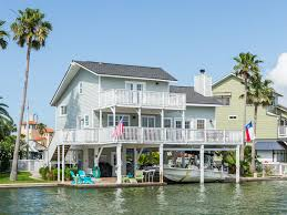 galveston canal house with pool ra89352 redawning