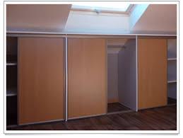 comment poser une porte de chambre comment poser des portes de placard coulissantes idées décoration