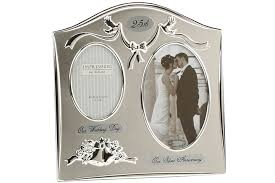 wedding anniversary gifts for 32 lovely wedding anniversary gift ideas momjunction