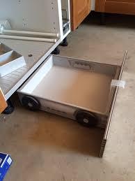 tiroir sous meuble cuisine plinthe sous meuble cuisine obasinc com