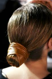 cool hairstyles you can do in less than 5 minutes stylecaster