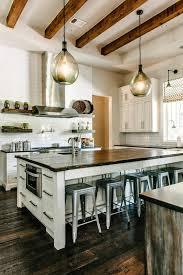 plafond de cuisine design la poutre en bois dans 50 photos magnifiques