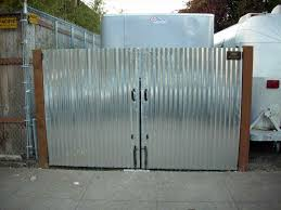 fence designs fence ideas mix of hog wire fencing and wood panels