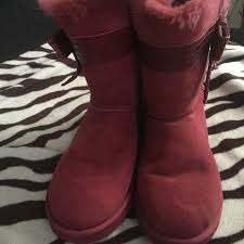 s pink ugg boots sale 54 ugg shoes authentic uggs mulberry color from