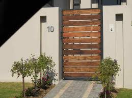 horizontal wood fence front yard home u0026 gardens geek