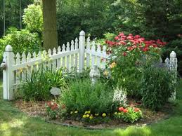 front yard landscaping ideas with a fence this small picket