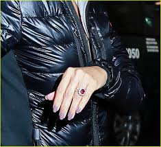 chelsea clinton engagement ring eva longoria shows off her shiny new engagement ring photo