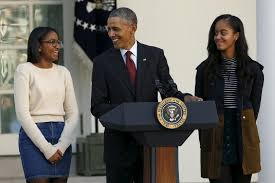 malia and obama bring simple style to thanksgiving turkey pardon