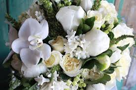 Wedding Flowers Sunshine Coast Green And White Modern Romance Sunshine Coast Wedding Florist