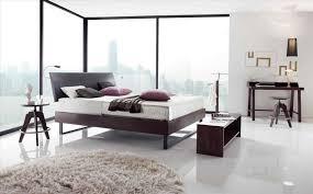 Schlafzimmer Mit Betten In Komforth E Kopfteil Besser Schlafen Amlet Kopfteil Bett Freistehend Mit