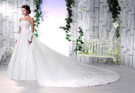 robe de mariã e traine robe de mariée morelle mariage lille vente en ligne robe de
