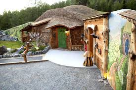 Hobbit Hole Washington by Make Like Bilbo Baggins And Stay In These 9 Hobbit Home Vacation