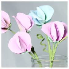 sweet peas flowers sweet pea flowers sugar paste flowers cake decorations