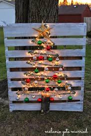 Decorative Christmas Tree Hooks by Making It In The Mitten Wood Pallet Christmas Tree
