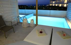 chambre avec piscine chambre classique lune de miel avec piscine privée insula alba