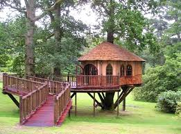 cool cabin treehouse cool cabins logcabinholidays com