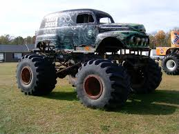original grave digger monster truck truck related official old pic thread archive page 4