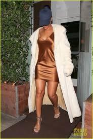 rihanna makes her short gold dress look super glam photo 3507036