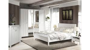 Bilder Schlafzimmer Landhausstil Schlafzimmer Landhausstil Weiß Frostig Ruhig Auf Wohnzimmer Ideen