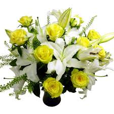 Roses And Lilies Yellow Roses And Lilies Free Uk Delivery Post A Rose Flowers