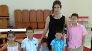 mama dormida mientras que su hijo se la coge un hijo de la pareja que se suicidó en huelva mamá está dormida