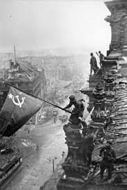 Iwo Jima Flag Raising Staged The Soviet Flag Over The Reichstag 1945 Pics U0026 Story