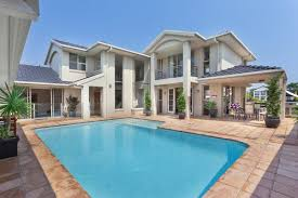 cost to build an in ground fiberglass swimming pool estimates