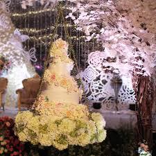 wedding cake kelapa gading hanging cake collection by rr cakes bridestory