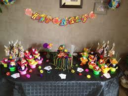 decoration table anniversaire 80 ans décoration gouter anniversaire enfant la table magicien