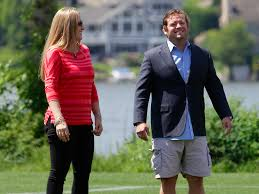 why no man should wear cargo shorts business insider