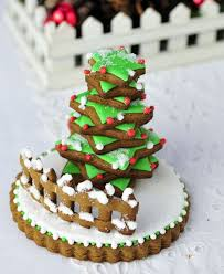 best holiday cookies tree cookies from hanielas hani bacova