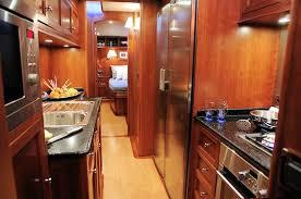 l internaute cuisine la cuisine un yacht de luxe moderne pour naviguer en famille sur