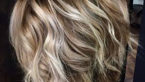 blonde hair with caramel lowlights bob blonde highlights lowlights bright pieces pretty hair with