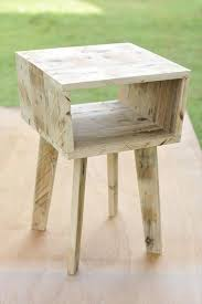 Patio End Table Plans Free by Best 25 Pallet Side Table Ideas On Pinterest Diy Living Room