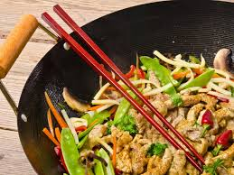 cuisiner au wok wok de poulet aux germes de soja recette de wok de poulet aux