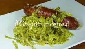 cuisiner du choux vert chou vert aux saucisses recette plat chou