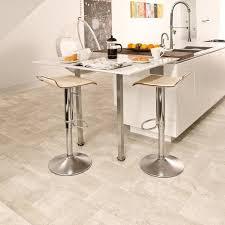 vinylboden für küche die besten 25 vinylboden verlegen ideen auf vinyl