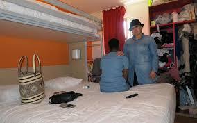 hotel avec dans la chambre oise val d oise 150 personnes sans abri doivent quitter leur lieu