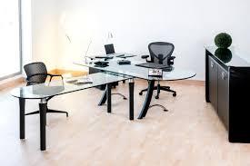 bureau reunion lamda avec table de reunion interieurs