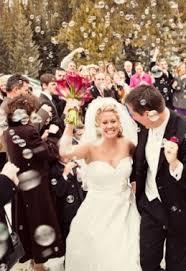 bulles de savon mariage offrez a vos invités des flacons de bulle de savon chics et