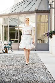 corsage fã r brautkleid brautkleid farbig mit wunderschönen accessoires für standesamt
