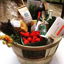 local gift baskets htons host gift farm to front door local gift baskets eco