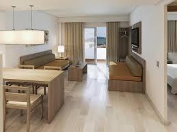 Wohnzimmerm El Ums Eck Apartamentos Tres Torres Spanien Playa De Palma Booking Com