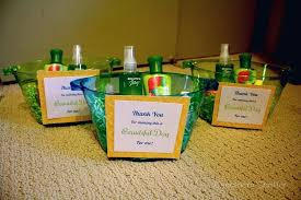 inexpensive gifts gifts for baby shower hosts baby shower gift ideas