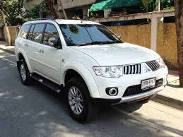 mitsubishi pajero old model mitsubishi pajero sport 2 5l diesel 4wd top model white central