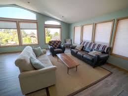 spacious living room spacious family friendly house ocean homeaway cannon beach
