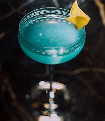 easy cocktail recipes 5 classic drinks to enjoy no matter the season